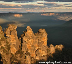 The Three Sisters viewed from Echo Point.